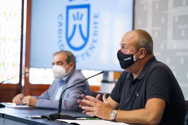 El administrador único de RTVC, Francisco Moreno, y el vicepresidente del Cabildo de Tenerife, Enrique Arriaga, en la presentación del convenio para emitir la serie 'Los guardianes de las siete llaves'