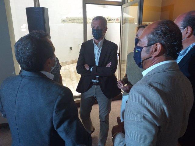 El vicepresidente de la Xunta, Alfonso Rueda,con representantes del sector hostelero y hotelero en Vigo.