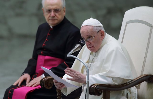 01 September 2021, Vatican, Vatican City: Pope Francis delivers his Wednesday General Audience in Paul VI Hall at the Vatican. Photo: Evandro Inetti/ZUMA Press Wire/dpa