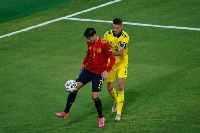 Archivo - Alvaro Morata of Spain in action during the UEFA EURO 2020 Group E football match between Spain and Sweden at La Cartuja stadium on June 14, 2021 in Seville, Spain.