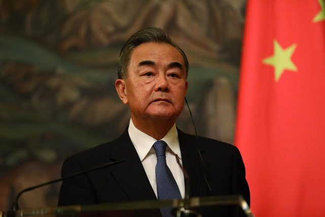 Archivo - HANDOUT - 11 September 2020, Russia, Moscow: Chinese Foreign Minister Wang Yi attends a joint press conference with his Russian counterpart Sergey Lavrov following their meeting. Photo: -/Russian Foreign Ministry/dpa - ATTENTION: editorial use o