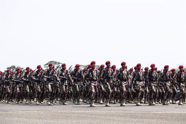 Archivo - Miembros de las fuerzas especiales del Ejército de Indonesia