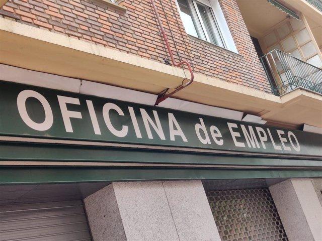 Archivo - Una oficina de empleo en La Rioja