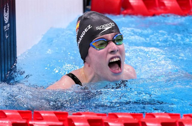 31 August 2021, Japan, Tokyo: Spain's Marta Fernandez Infante celebrates winning the gold medal in the Women's 50m Breaststroke - SB3 Final at the Tokyo Aquatics Centre during the Tokyo 2020 Paralympic Games. Photo: John Walton/PA Wire/dpa