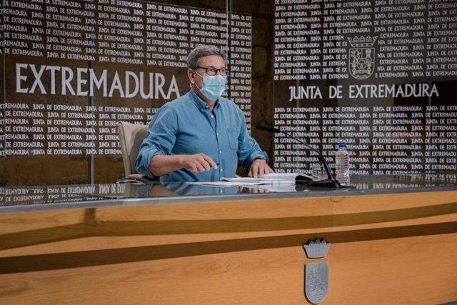 El secretario general de Empleo, Javier Luna, en rueda de prensa