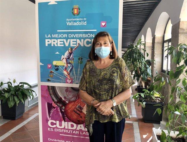La concejal María Victoria Soto presenta la campaña para el cumplimiento de normas COVID durante las Fiestas.