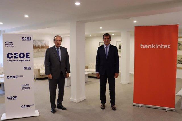 José Alberto González-Ruiz (izda), secretario general de CEOE, y Fernando Moreno (dcha), director general del Área de Empresas de Bankinter.