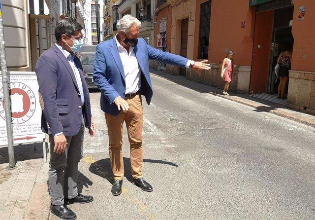 El portavoz de Cs en el Ayuntamiento, Álvaro Pimentel, en la calle Zaragoza.