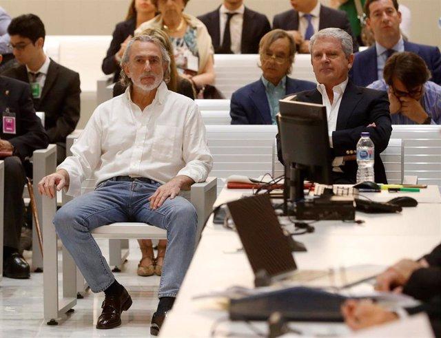 Archivo - El cabecilla de la trama Gürtel, Francisco Correa, y su número dos, Pablo Crespo, en el juicio por tres contratos irregulares del Ayuntamiento de Jerez a empresas de la red para Fitur 2004