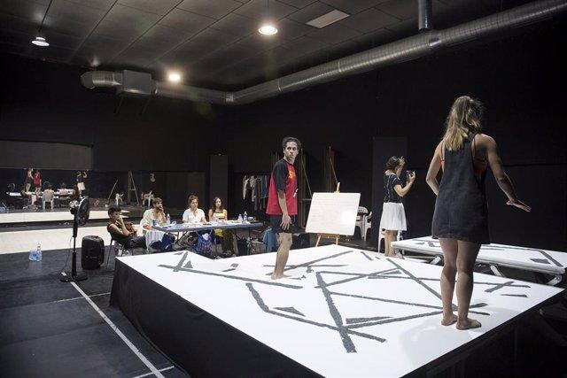Ensayo de la obra 'Los Ignífugos' para Factoría Echegaray en Málaga