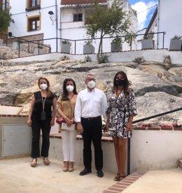 La delegada de Turismo en una cisita en Montejaque