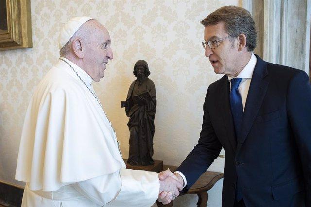 Archivo - El presidente da Xunta, Alberto Núñez Feijóo, es recibido en audiencia por su santidad el papa Francisco. Vaticano, 14/06/21
