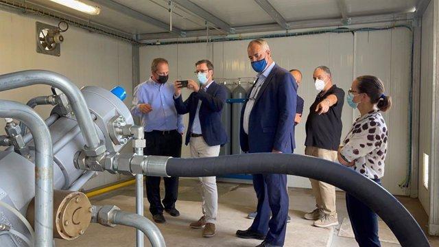 Presentación de la nueva 'gasinera' de gas natural de la EMT Palma