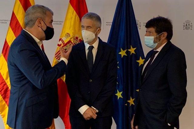 (I-D) El Primer Tinent D'Alcalde De Barcelona, Jaume Collboni, El Ministre De l'Interior, Fernando Grande-Marlaska, I El Tinent D'Alcalde De Seguretat, Albert Batlle