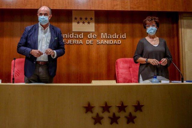 El viceconsejero de Asistencia Sanitaria y Salud Pública de la Comunidad, Antonio Zapatero, y la directora general de Salud Pública, Elena Andradas,