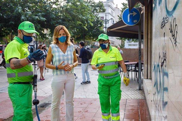 La consejera municipal de Servicios Públicos y Movilidad, Natalia Chueca, ha presentado el plan de limpieza de grafitis y pintadas.