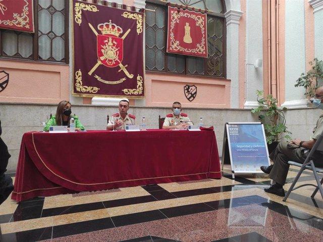 Presentación del XXXVIII Curso Internacional de Defensa, en Palacio de la Antigua Capitania General de Zaragoza.