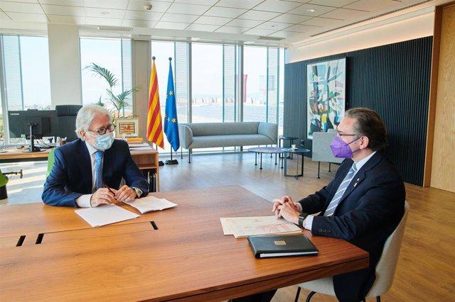 El conseller d'Economia i Hisenda de la Generalitat, Jaume Giró, i el president de Foment del Treball, Josep Sánchez Llibre