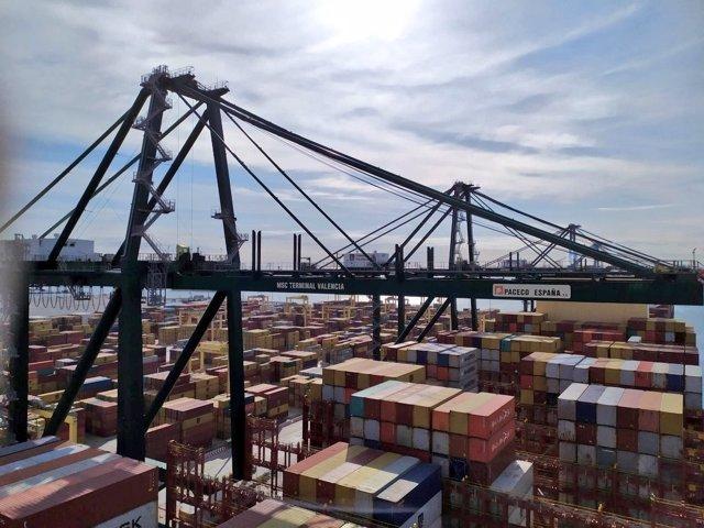 Imagen de archivo de terminal de contendores en el puerto de València.