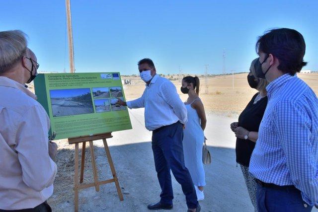 Presentación de los trabajos de acondicionamiento en la vía pecuaria Colada del Llano de Llevas, en Las Gabias (Granada)