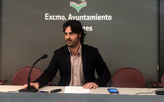 Archivo - Enrique Riestra