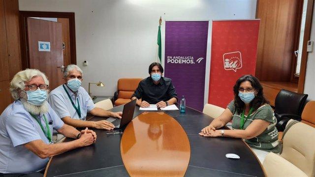Sánchez, en la reunión con diversos colectivos sobre el proyecto de vía verde en el trazado ferroviario de Minas de Cala