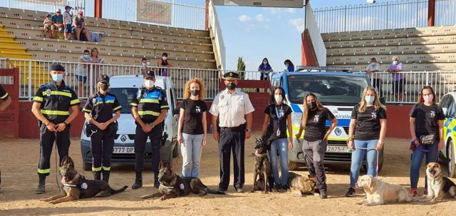 Exhibición de la Unidad Canina de la Policía Local de Salamanca en Salamaq.