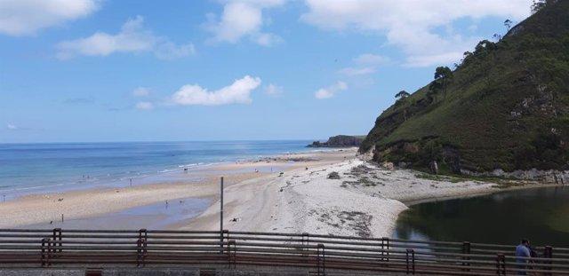 Archivo - Playa de San Antolín de Llanes.