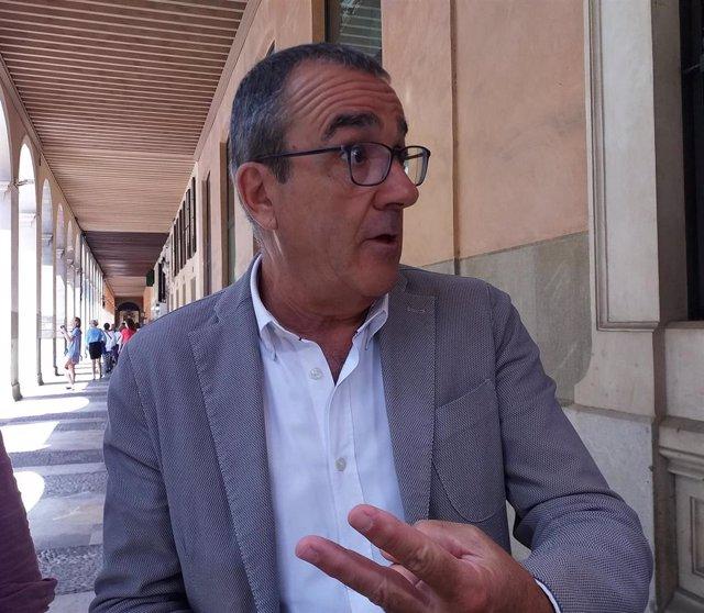 Archivo - El vicepresidente del Govern y conseller de Transición Energética, Sectores Productivos y Memoria Democrática, Juan Pedro Yllanes.