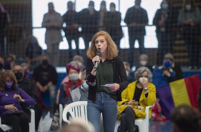 Archivo - Imagen de archivo de la secretaria de Organización de Podemos, Lilith Verstrynge, durante un acto del partido en el Polideportivo municipal Cerro Buenavista de Getafe,  a 27 de abril de 2021, en Madrid (España).