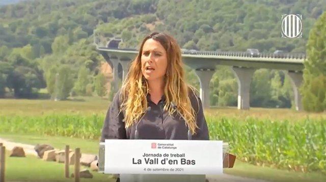 La portaveu del Govern, Patrícia Plaja, en roda de premsa durant la celebració d'una jornada de treball a La Vall d'en Bas (Girona).
