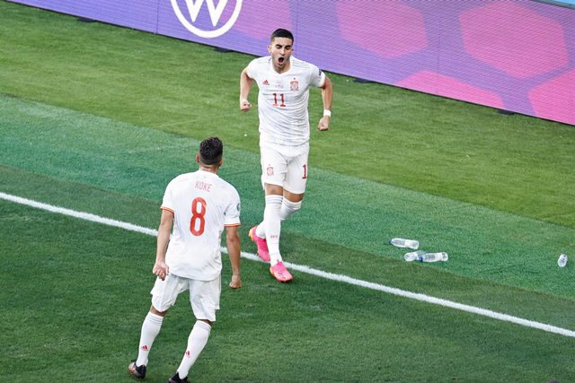 Archivo - Ferran Torres of Spain celebrates a goal during the UEFA EURO 2020 Group E football match between Slovakia and Spain at La Cartuja stadium on June 23, 2021 in Seville, Spain.