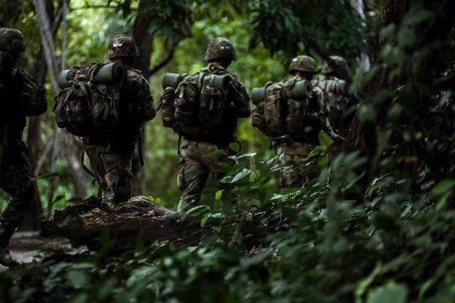 Archivo - Militares del Ejército de Colombia