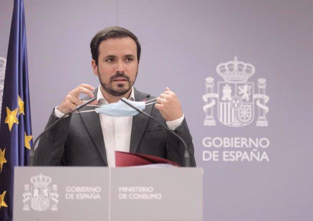 Archivo - El ministro de Consumo, Alberto Garzón, en una rueda de prensa el 22 de julio de 2021, en Madrid