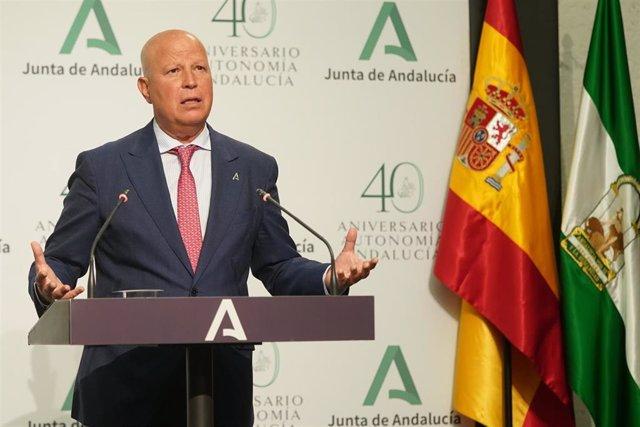 El consejero de Educación, Javier Imbroda, en una foto de archivo en rueda de prensa tras el Consejo de Gobierno.