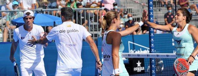 Juan Lebrón y Alejandro Galán y Ariana Sánchez y Paula Josemaría, campeones del Cascais Padel Master del World Padel Tour