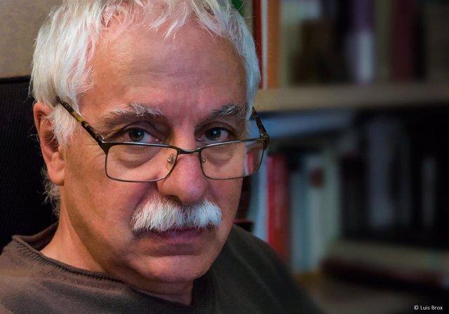 Archivo - El escritor y cantautor riojano Jesús Vicente Aguirre