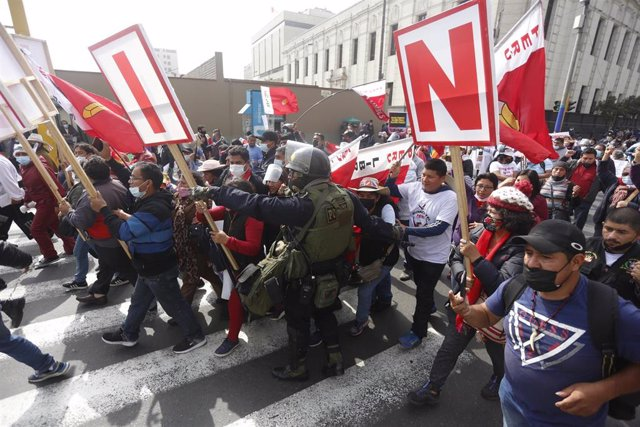 Simpatizantes de Perú Libre