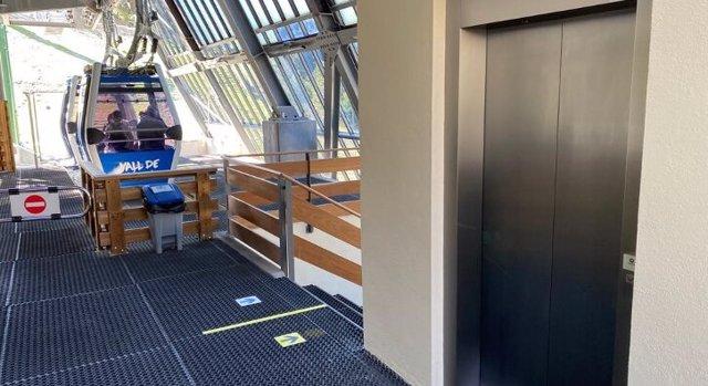 L'ascensor per accedir al telefèric Coma del Clot