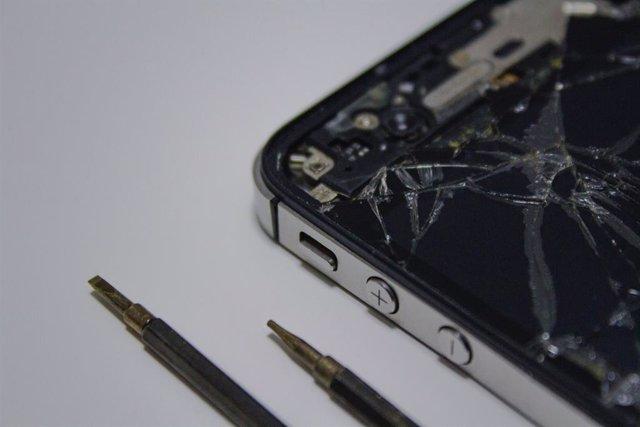 IPhone con la pantalla rota