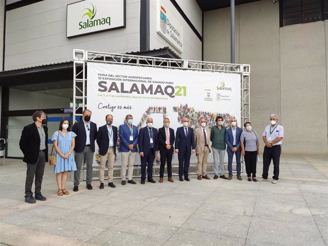 Responsables de la Diputación y de la USAL junto a investigadores de los proyectos en Salamaq 2021