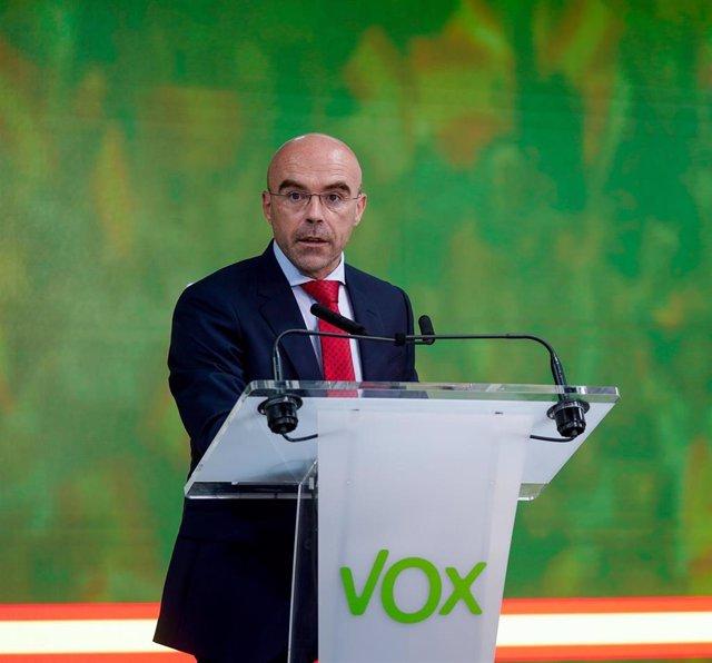 Archivo - El portavoz del Comité de Acción Política y eurodiputado, Jorge Buxadé.