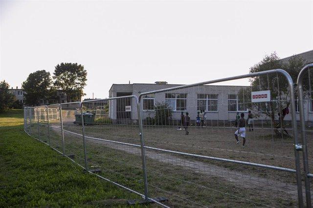 Archivo - Centro de detencion de migrantes en Lituania