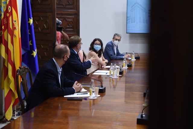 Reunió de la Interdepartamental on s'ha aprovat l'aixecament de les restriccions