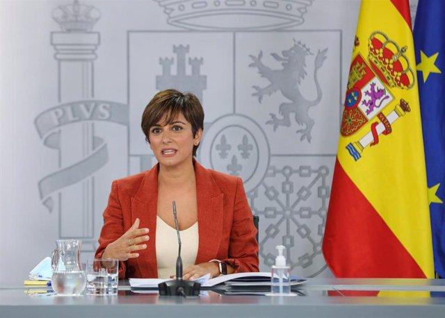 La ministra de Política Territorial y portavoz del Gobierno, Isabel Rodríguez García, en una rueda de prensa posterior al Consejo de Ministros, a 31 de agosto de 2021, en Madrid, (España)