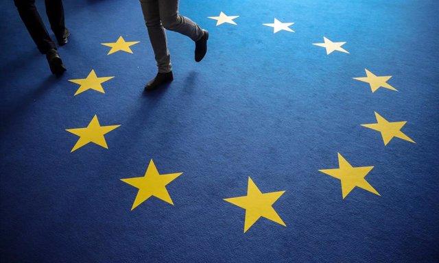 Archivo - Alfombra con la bandera europea