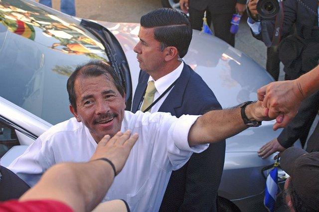 Archivo - Daniel Ortega en Chile en el año 2007