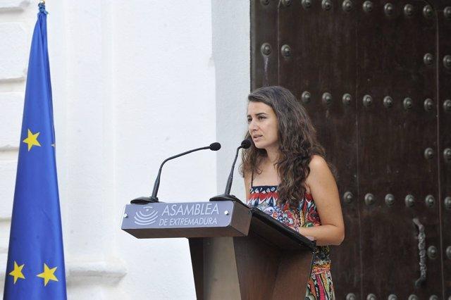 La presidenta de Unidas por Extremadura en la Asamblea, Irene de Miguel, en su discurso en el acto institucional en la Cámara regional con motivo del Día de Extremadura 2021