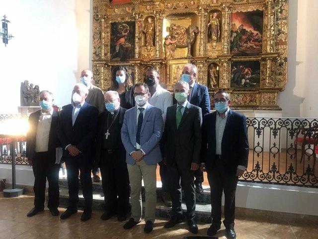 Inauguración del retablo mayor de la iglesia de Villamentero en Palencia.