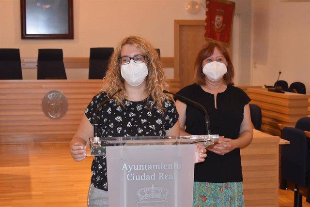Las concejalas de Acción Social y Participación Ciudadana de Ciudad Real, Matilde Hinojosa y Sara Martínez